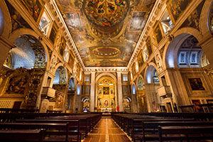 L'intérieur de l'église Saint-Roch