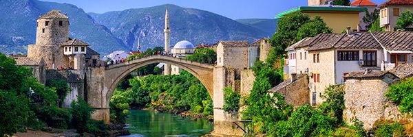 Le vieux pont Stari Most en Bosnie