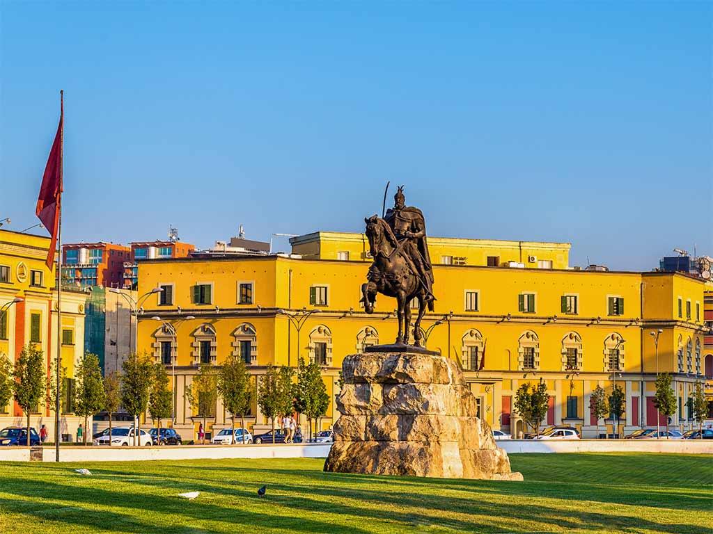Tirana capitale de l'Albanie