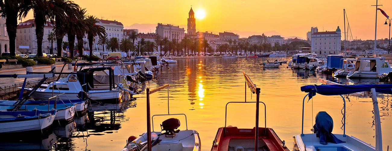 La ville de Split, au coucher du soleil