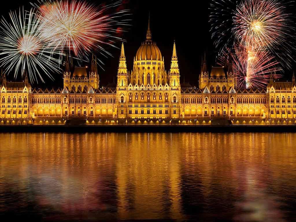 Feux d'artifice du 31 décembre à Budapest