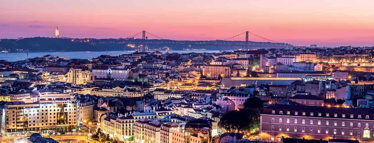 Vue de Lisbonne de nuit