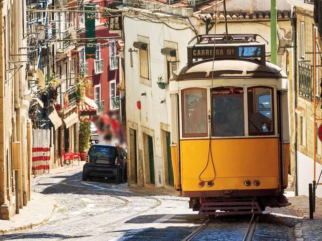 Portugal - Lisbonne - Réveillon à Lisbonne avec soirée du Nouvel An à bord du bateau N/M Opéra - Hôtel Sana Metropolitan 4* - Visites et repas inclus