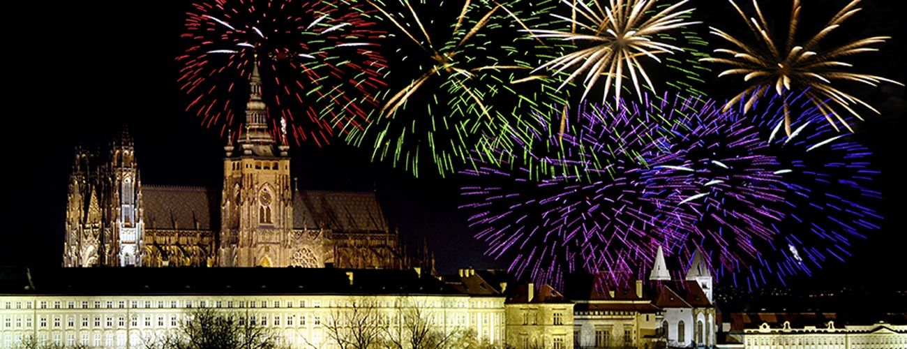 Feux d'artifice du Nouvel An à Prague